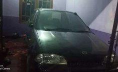 Mobil Suzuki Esteem 1993 terbaik di Jawa Timur