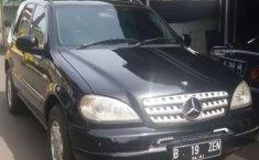 Mobil Mercedes-Benz M-Class 2001 ML 320 terbaik di DKI Jakarta