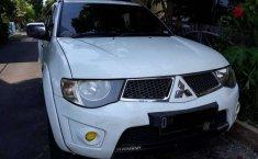 Jual mobil Mitsubishi Triton GLX 4x4 2010 bekas, Jawa Barat