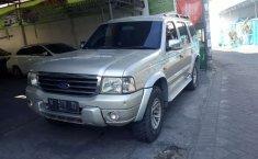 Ford Everest 2004 Jawa Timur dijual dengan harga termurah