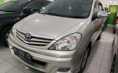 DIY Yogyakarta, Jual cepat Toyota Kijang Innova 2.0 G 2011