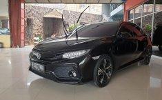 Jual mobil Honda Civic Hatchback E CVT  2018 murah di Jawa Barat