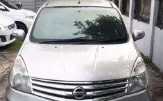 Mobil Nissan Grand Livina 2013 Highway Star terbaik di Jawa Timur