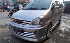 Jual mobil Nissan Serena Highway Star Autech 2011 terawat di Jawa Barat