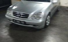 DKI Jakarta, dijual mobil Mercedes-Benz C-Class C200 2002 bekas