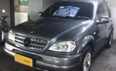 Jual mobil Mercedes-Benz M-Class ML 320 2002 harga murah di DKI Jakarta