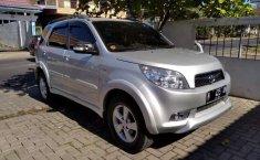 Mobil Toyota Rush 2010 S terbaik di Jawa Timur