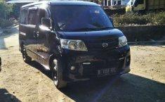 Mobil Daihatsu Luxio 2010 D dijual, Jawa Tengah