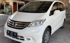 Bali, jual mobil Honda Freed PSD 2015 dengan harga terjangkau