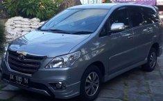 Bali, jual mobil Toyota Kijang Innova V Luxury 2015 dengan harga terjangkau