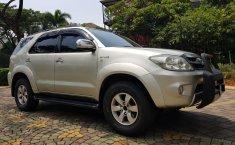 Jual mobil Toyota Fortuner 2.7 G Luxury AT 2005 bekas, Banten
