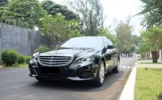 Jual mobil bekas murah Mercedes-Benz E-Class E 200 2013 di DKI Jakarta
