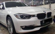 Jual mobil BMW 3 Series 328i 2013 terawat di DKI Jakarta
