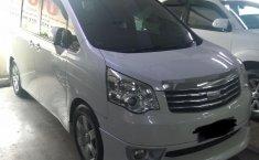 Dijual mobil bekas Toyota NAV1 V 2013, DKI Jakarta