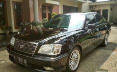 Jawa Tengah, Toyota Crown Royal Saloon 2002 kondisi terawat