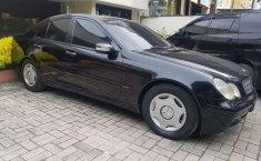 Mobil Mercedes-Benz C-Class 2001 C200 terbaik di Sumatra Utara