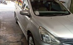 Mobil Nissan Grand Livina 2013 Highway Star dijual, Jawa Barat