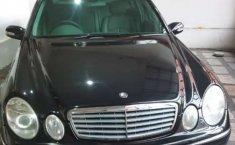 Jawa Barat, jual mobil Mercedes-Benz E-Class 260 2003 dengan harga terjangkau