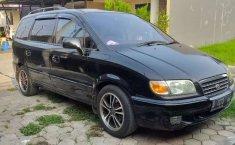 Jual Hyundai Trajet 2001 harga murah di Jawa Barat