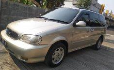 Jual mobil Kia Carnival GS 2000 dengan harga murah di Jawa Barat
