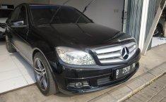 Jual mobil Mercedes-Benz C-Class C200 CGI 2010 dengan harga terjangkau di Jawa Barat
