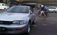 Jawa Barat, Toyota Corona 1996 kondisi terawat