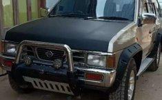 Mobil Nissan Terrano 1998 dijual, Jawa Timur