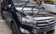 Jual Toyota Venturer 2017 harga murah di Sumatra Utara