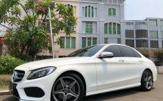 Jual cepat mobil Mercedes-Benz C-Class C200 2017 di Banten