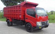 Jual mobil Toyota Dyna 4.0 Manual 2012 dengan harga murah di Jawa Barat