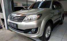 Jual mobil Toyota Fortuner G VNT 2012 terawat di Jawa Barat