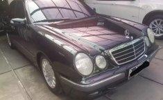 Jual cepat Mercedes-Benz E-Class E 240 2001 bekas, DKI Jakarta