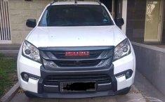 Jawa Timur, jual mobil Isuzu MU-X Premiere 2017 dengan harga terjangkau