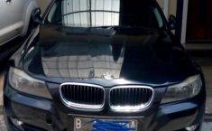 Jual mobil BMW 3 Series 320i 2010 terawat di Jawa Barat