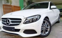 Jual mobil bekas Mercedes-Benz C-Class C200 2017 murah di DKI Jakarta