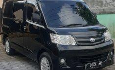 Jual mobil Daihatsu Luxio M 2011 terawat di DIY Yogyakarta