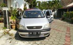 Mobil Chevrolet Zafira 2004 terbaik di DIY Yogyakarta