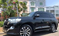 Jual mobil Toyota Land Cruiser 4.5 V8 Diesel 2012 terbaik di DKI Jakarta