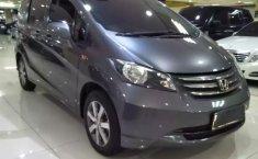 Jual mobil Honda Freed PSD 2010 terbaik di DKI Jakarta