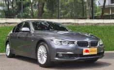 Jual mobil BMW 3 Series 320i Luxury Line 2018 bekas, Banten