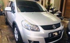 Mobil Suzuki SX4 2011 X-Over dijual, Jawa Barat