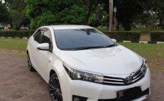 Sumatra Selatan, Toyota Corolla Altis V 2014 kondisi terawat