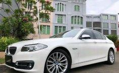 Jual cepat mobil BMW 5 Series 528i LUXURY 2017 di DKI Jakarta
