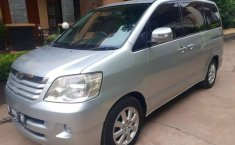 Mobil Toyota Noah 2004 dijual, DKI Jakarta