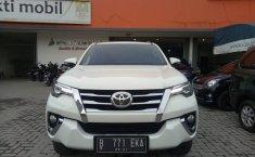 Jual mobil Toyota Fortuner VRZ DSL AT 2016 terawat di Jawa Barat