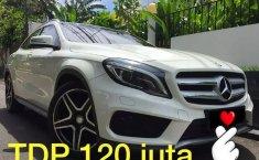 Jual mobil Mercedes-Benz GLA 200 Sport AMG Panoramic Sunroof 2015 bekas di DKI Jakarta