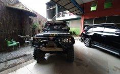 Jual mobil Suzuki Caribbean 4x4 2004 dengan harga murah di Jawa Barat