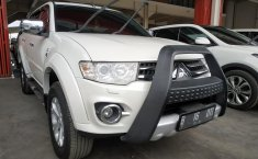 Dijual mobil Mitsubishi Pajero Sport Dakar AT 2015 bekas, Jawa Barat