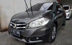 Jawa Barat, dijual mobil Suzuki SX4 S-Cross AT 2017 bekas