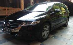 Jual mobil Honda Odyssey RB3 2010 terawat di DIY Yogyakarta